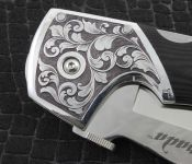 Hand Engraved Knife / Deep Relief