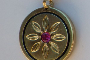 Botanic Pendant / Hand Engraved